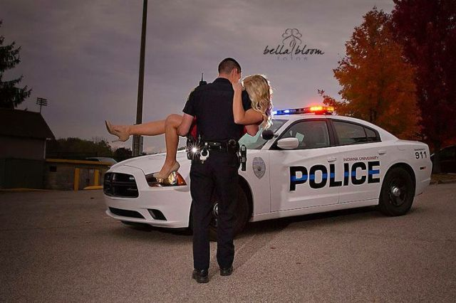 de4c1f23e8367aa139a25afdcf9b80cd--police-wedding-photos-police-engagement-photos